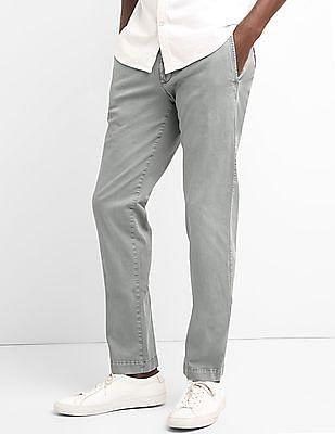 GAP Men Grey Washwell Vintage Wash Khakis In Slim Fit With GapFlex