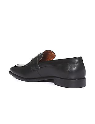 Arrow Round Toe Leather Slip On Shoes