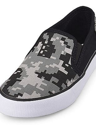The Children's Place Boys Printed Low Top Rockstar Sneaker