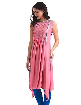 Anahi Dipped Hem Sleeveless Kurta